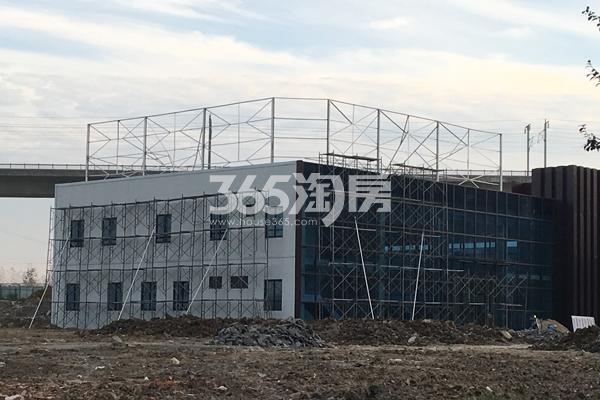 中辰优唐广场待开放的售楼中心正在最后施工中(2017.11.6)