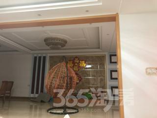 万隆小区3室2厅2卫200平米精装使用权房2014年建满五年