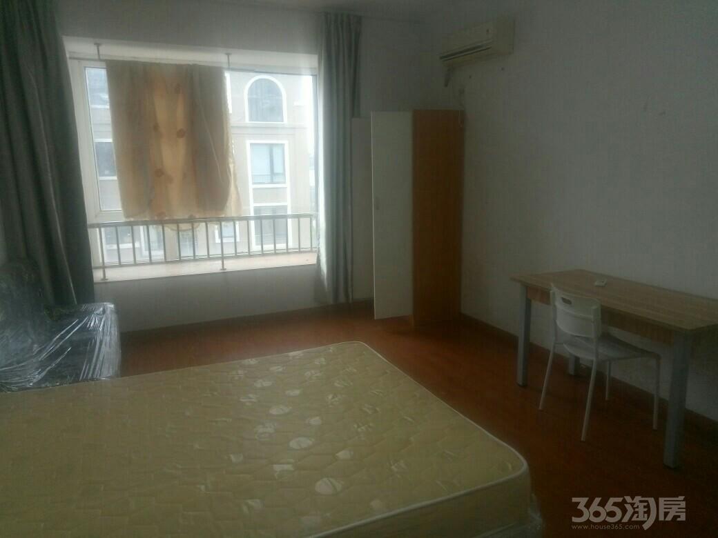 上河街3室1厅1卫28平米合租精装
