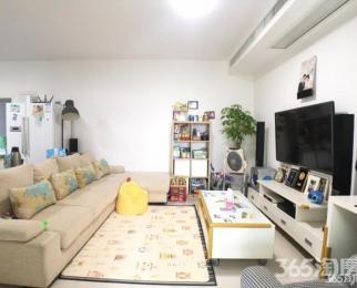 上元大街 实小学区 亲水湾花园 大两室 精装修 拎包入住 交通便利