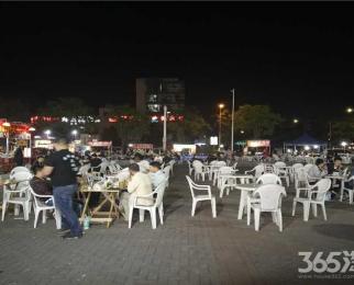 菜场一点点旁 人气旺 夜市排档聚集地 户型方正 重餐饮除外
