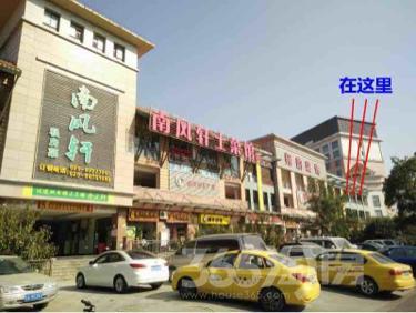 南京明发商业广场,地铁三号线出口,临街三楼商用房