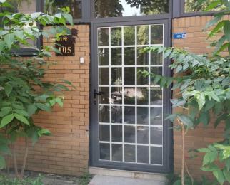 汇杰文庭一楼带院子个人首次出租3室2厅2卫130平米拎包入住