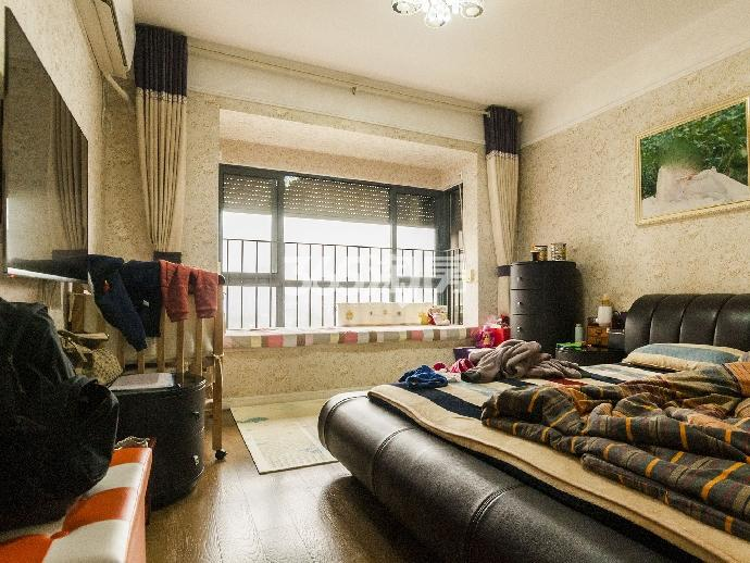 万科金色领域3室2厅2卫113平米豪华装产权房2013年建