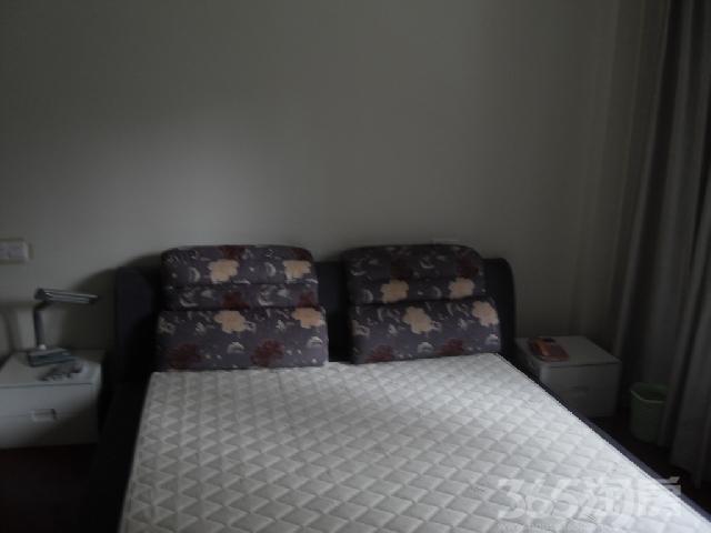 钱江方洲(商住楼)1室1厅1卫55�O整租精装