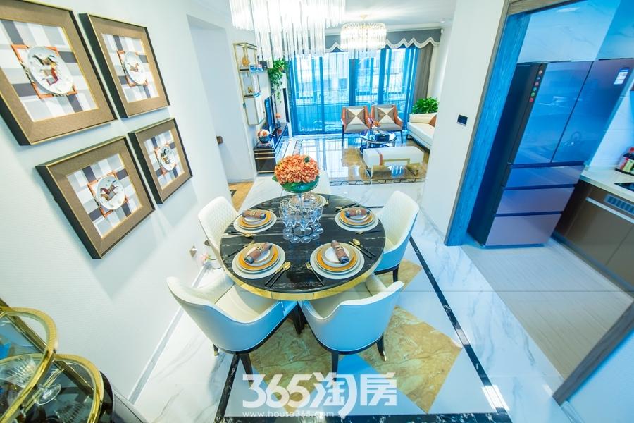 碧桂园镜湖世家面积约150平样板间-餐厅