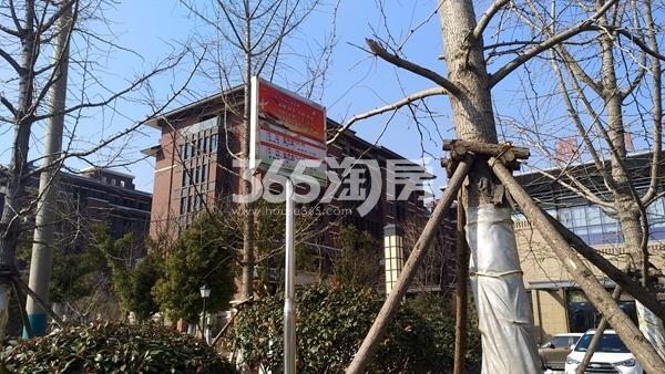 中国铁建・燕山国际城 公交车站 201802