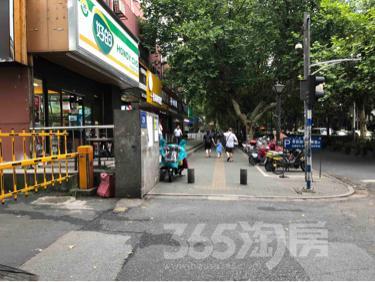 汉中路商铺30平米合租简装