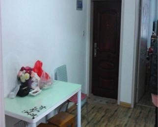 热河南路308小区 农贸中心站 简装两室一厅 交通便捷 拎包