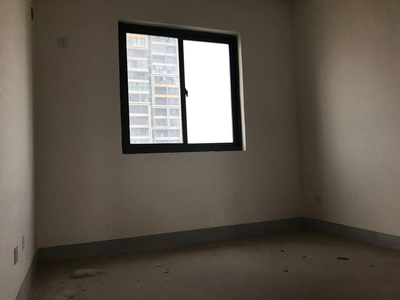 骋望七里楠3室2厅1卫109平方产权房毛坯