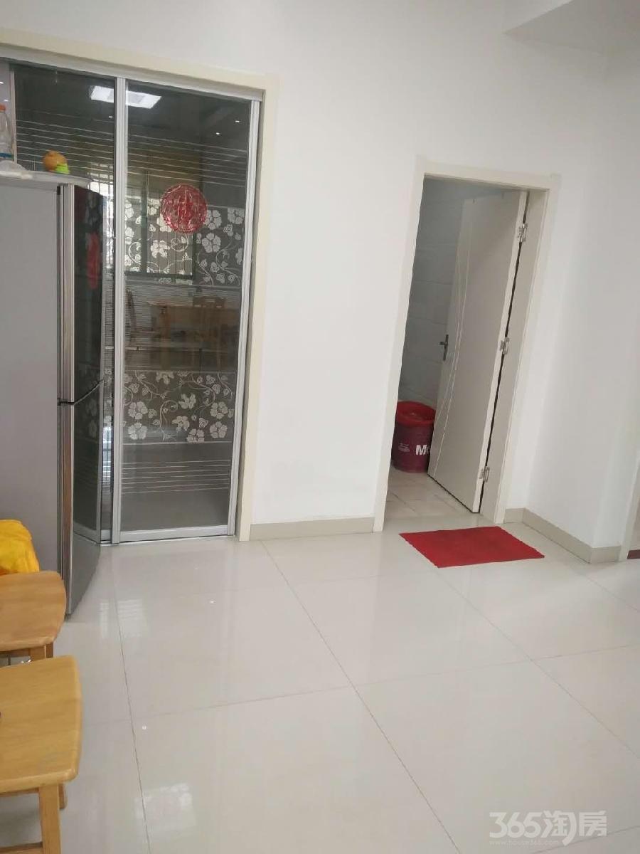 东明建材装饰城3室2厅1卫92�O2004年满两年产权房中装
