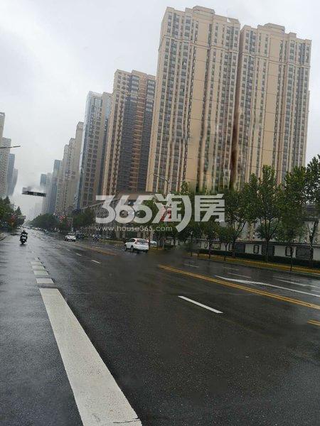 龙湖景粼天序项目周边道路路况实景图(2019.8.27)