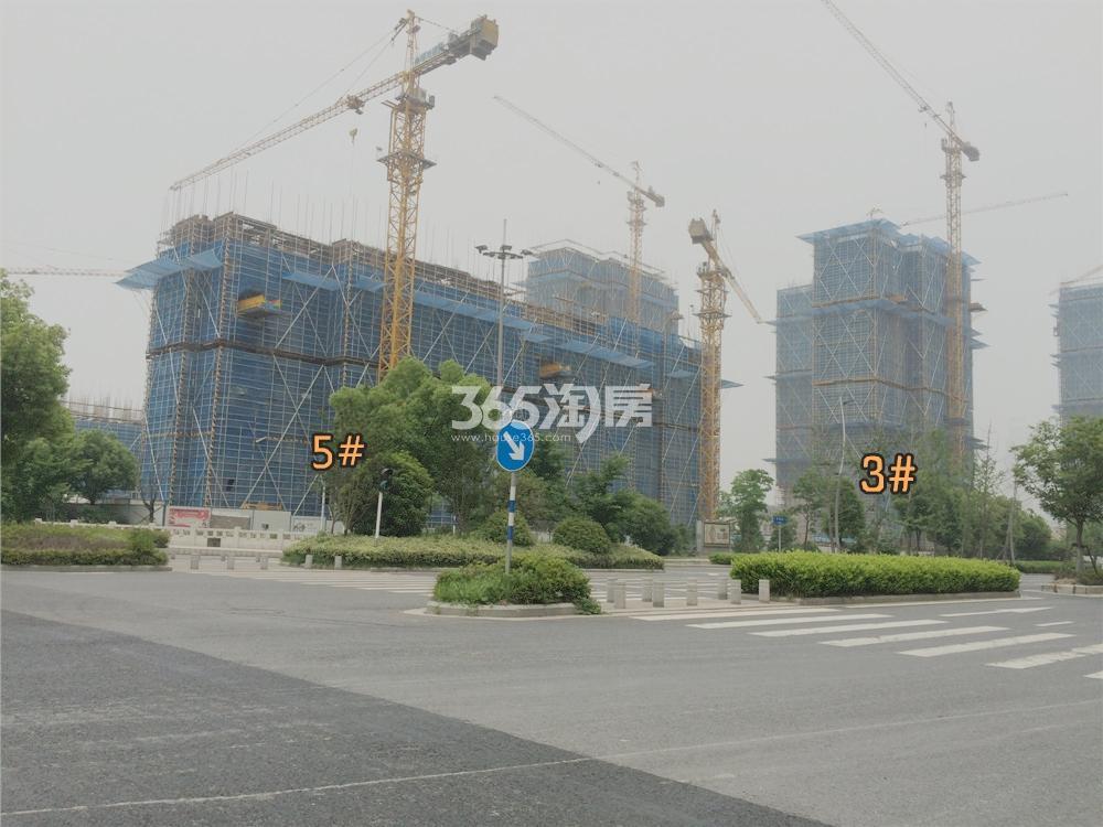 绿地华侨城海珀滨江5#实景图(5.18)