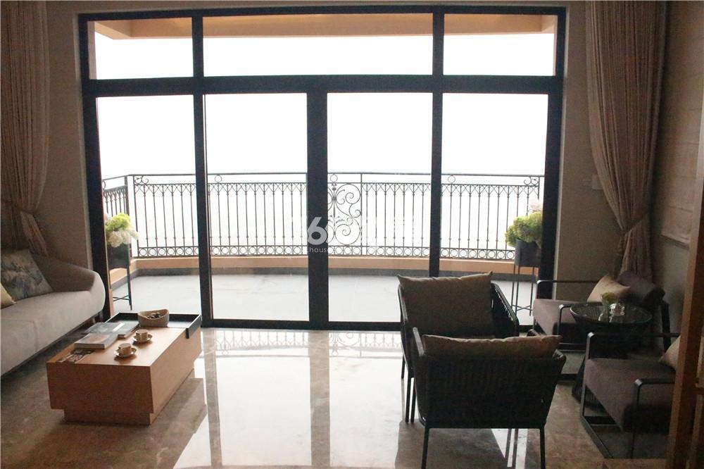 雅居乐滨江国际423㎡样板间—南向阳台