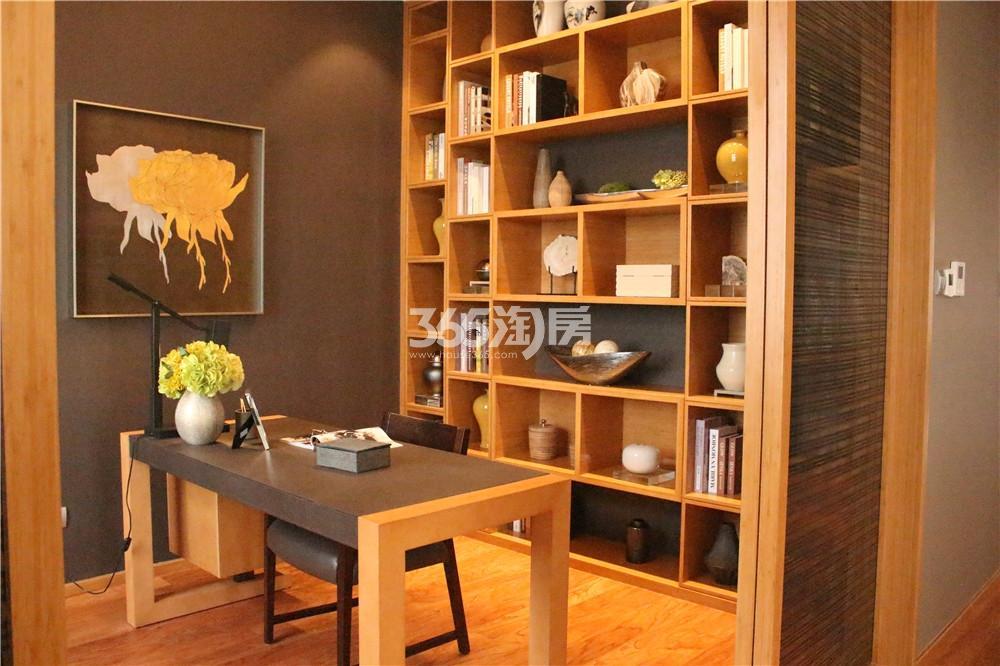 雅居乐滨江国际423㎡样板间—书房