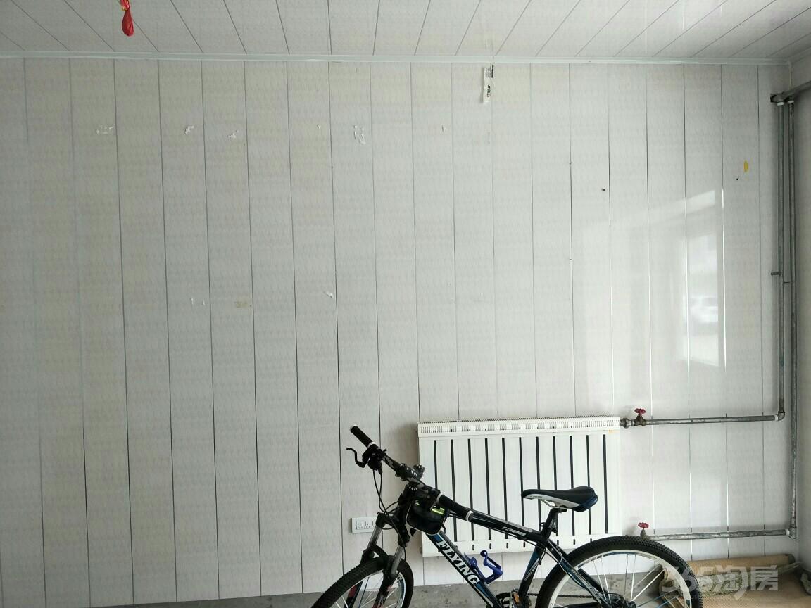 颐安花园西区30平米车库整租