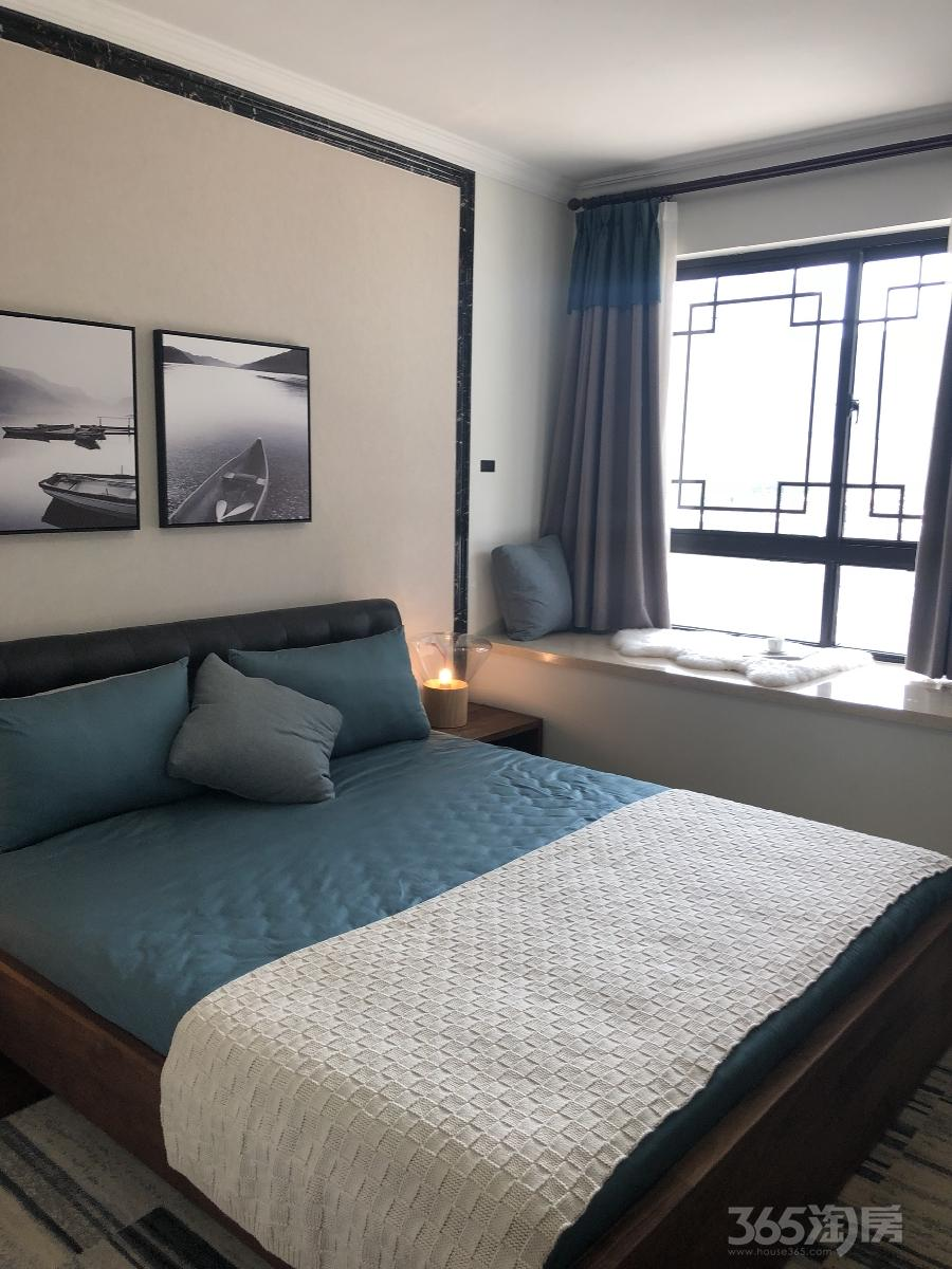 东海水景城3室2厅2卫89平米简装产权房2018年建