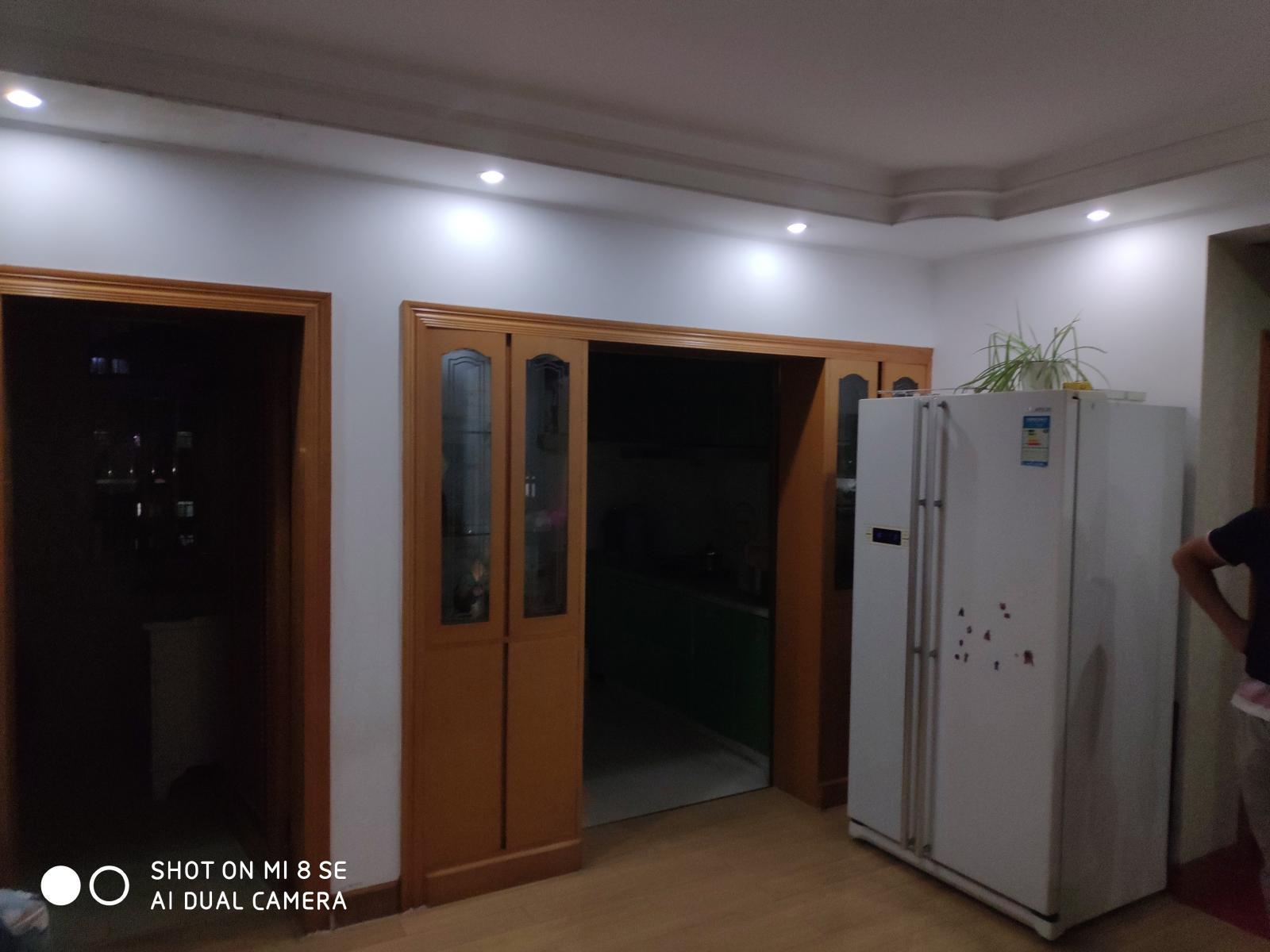 太平花苑南苑4室2厅2卫128平方产权房精装