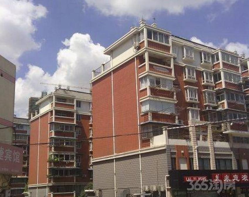 万豪白领二期3室2厅2卫163.21平米2007年产权房精装
