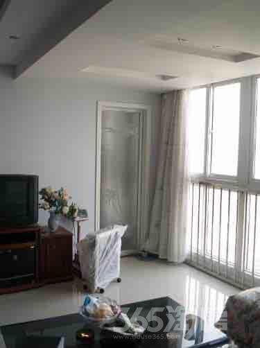 龙泰大厦2室2厅1卫110平米精装产权房2009年建满五年