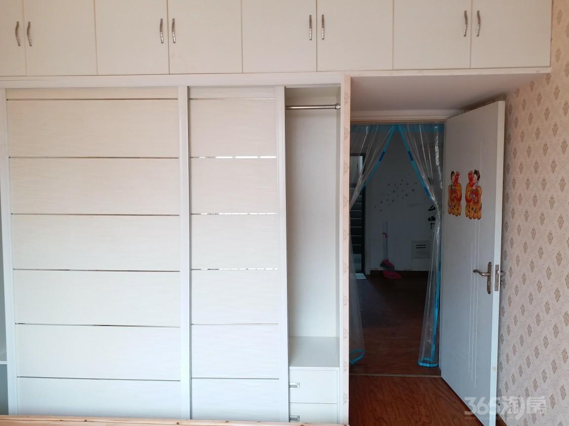 旭日天都2室2厅1卫70平米整租精装