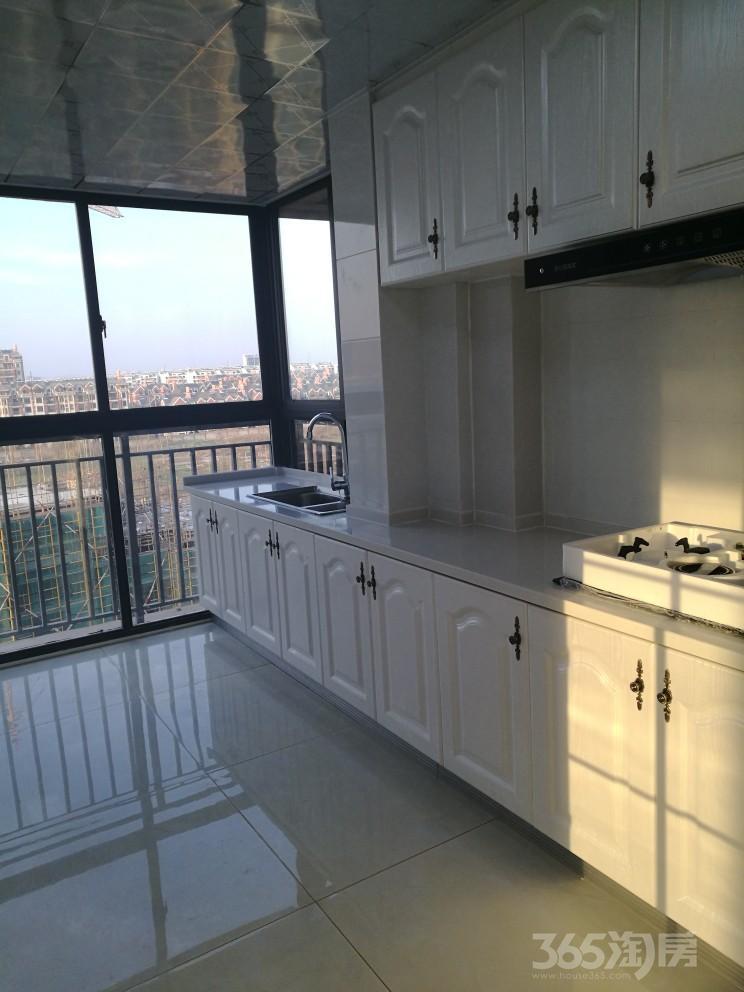 天悦容城4室2厅2卫135平米2017年产权房豪华装