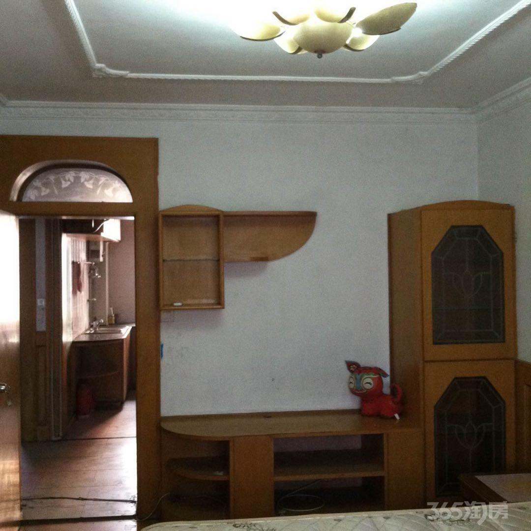 二板桥3室1厅1卫62平米精装产权房1991年建