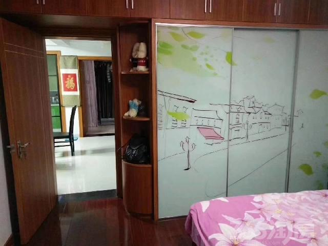 梅林家园2室1厅1卫72�O产权房精装