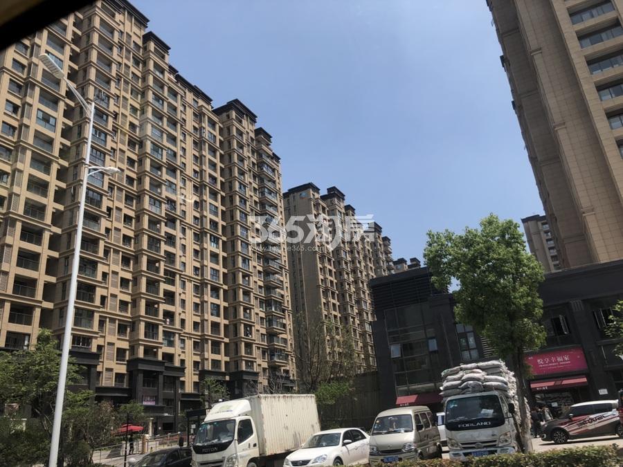 中粮鸿云沿街商铺现状(5.24)