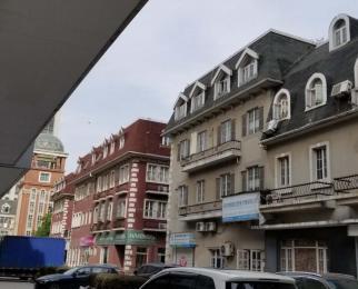 天印大道 商业街横头门面4米宽 适合各种行业 朝南人流量