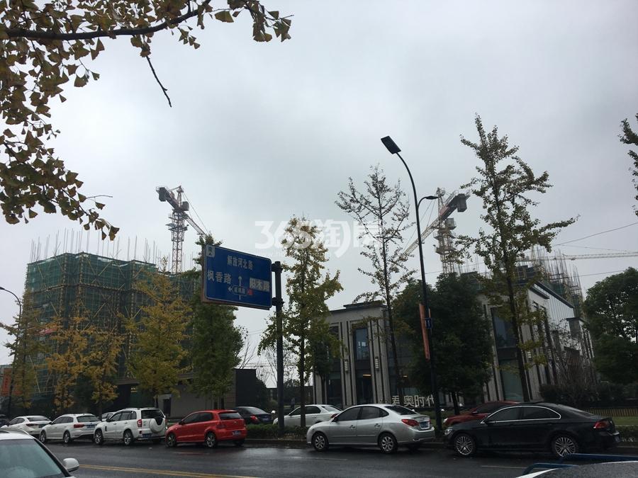 中南君奥时代现场解放河北路道路实景图 2017年11月摄