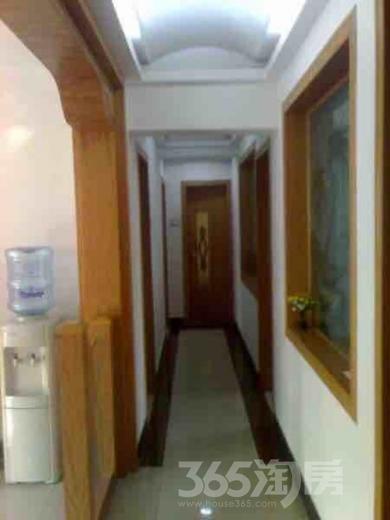 天骄嘉园4室2厅2卫150.43平米精装产权房2002年建