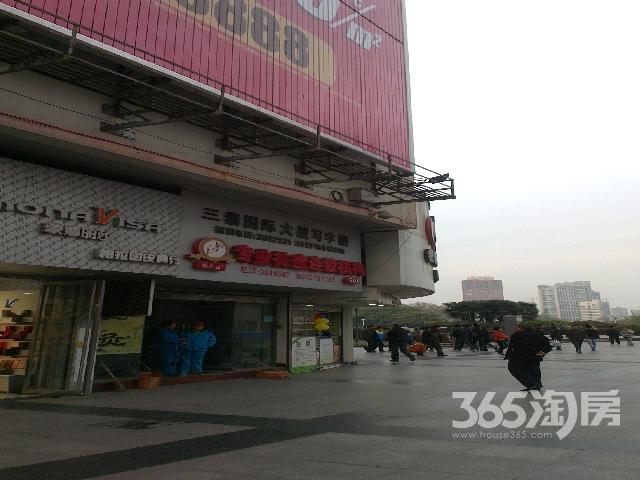 三泰国际大厦中山路联华超市楼上写字楼办公中山路,四部电梯,每间74