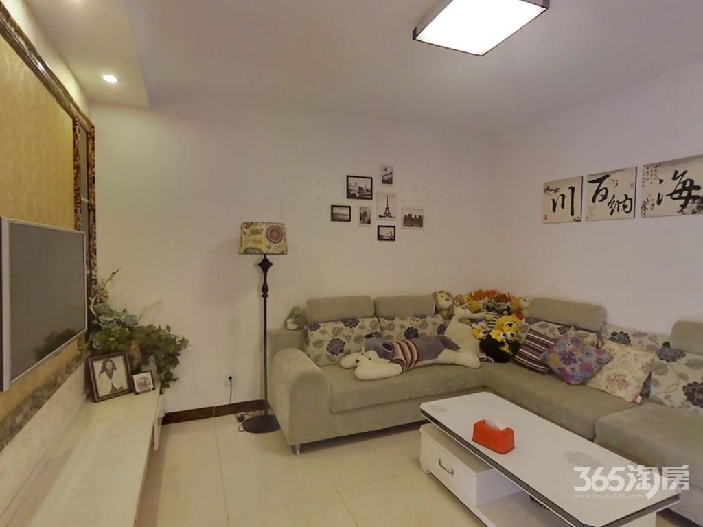 万江红公馆2室1厅1卫71平米2013年产权房精装