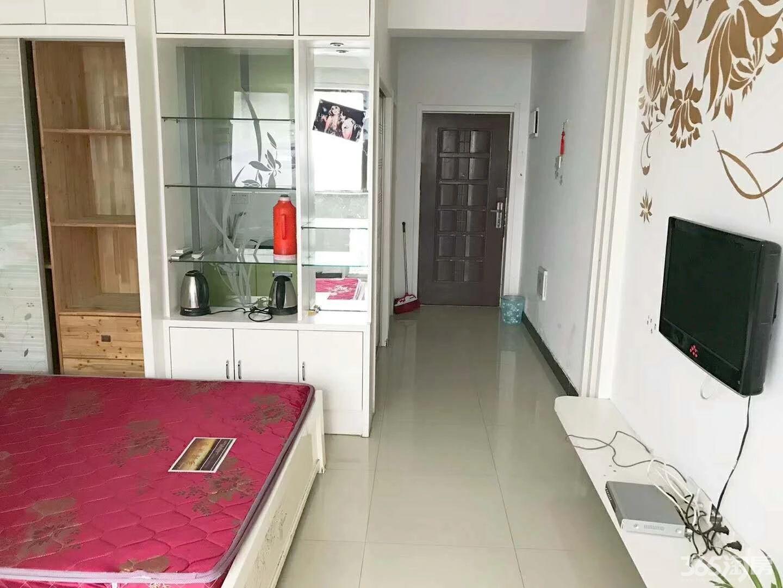 1200元/月出租中央城单身公寓
