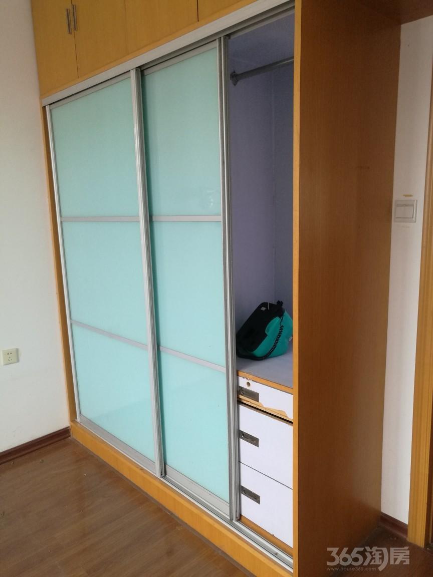 景江东方3室2厅2卫146平米整租精装