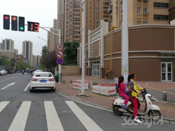 花港幸福城200�O整租毛坯