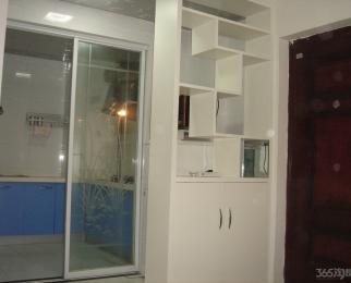 <font color=red>顶峰国际公寓</font>1室1厅1卫62平米简装整租