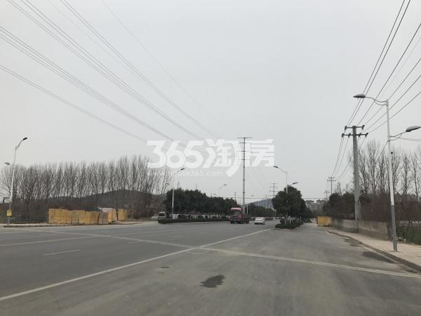 苏宁悦城项目西侧天齐路实景图(12.31)