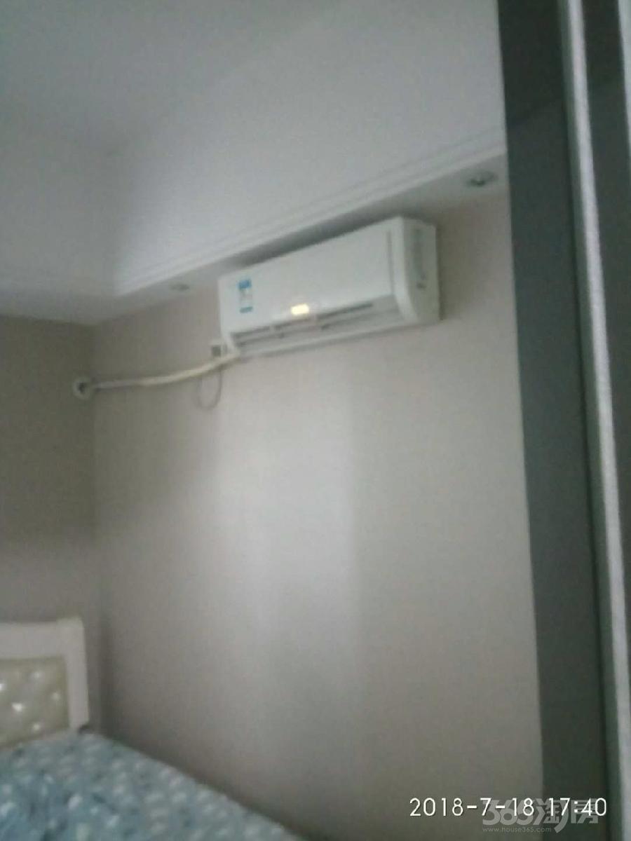万达广场单身公寓2室2厅1卫67平米整租精装
