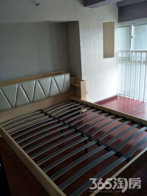汤城汇2室1厅1卫45平米2015年产权房豪华装