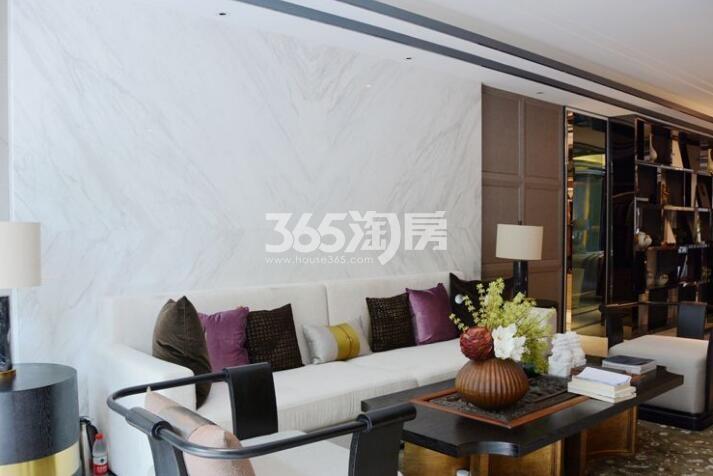 祥源金港湾300㎡洋房样板间客厅(2018.4.16)