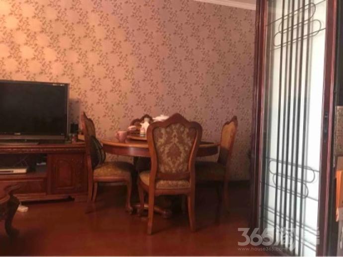 阅江广场1室1厅0卫84.81平米精装产权房2011年建
