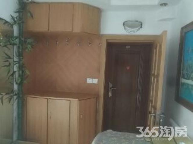 白塔小区3室1厅1卫90平米整租中装