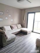 长江之歌精装两房,全新装修,环境优美,住家舒适安全,随时看房