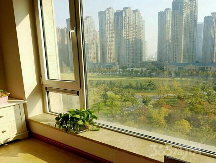 置地广场栢悦公馆3室1厅1卫115平米整租中装