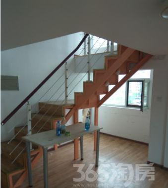 津南双港拾光汇loft一层出两层,带阳台双面采光,好格局急售