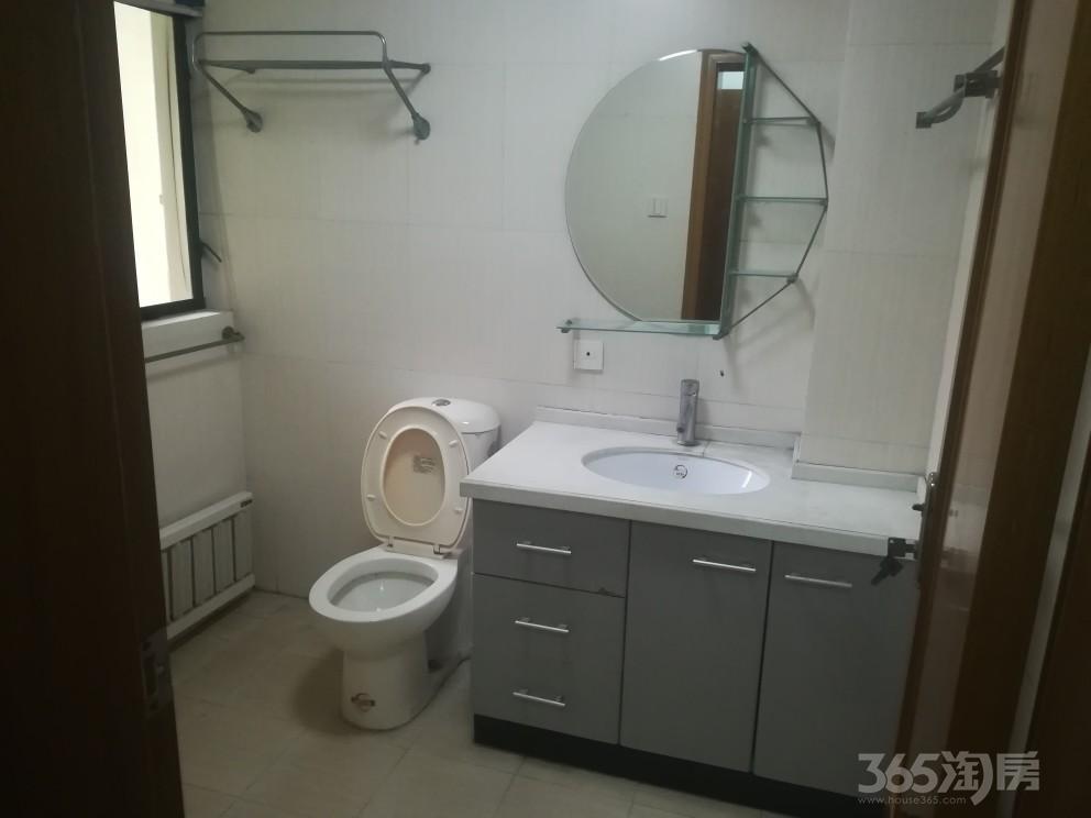 春江花园3室2厅2卫117平米2005年产权房中装
