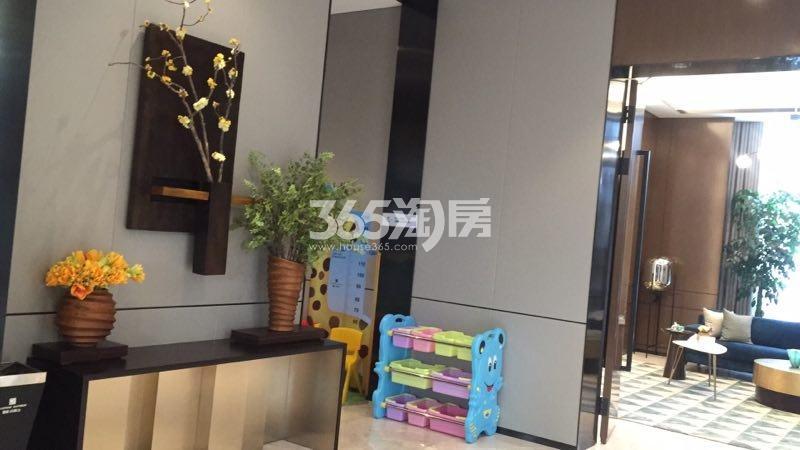 融创玖樟台售楼部内部儿童休息区(2017.11.28)