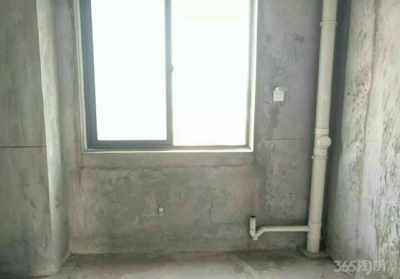 嘉利学府3室2厅1卫101平米2012年产权房毛坯